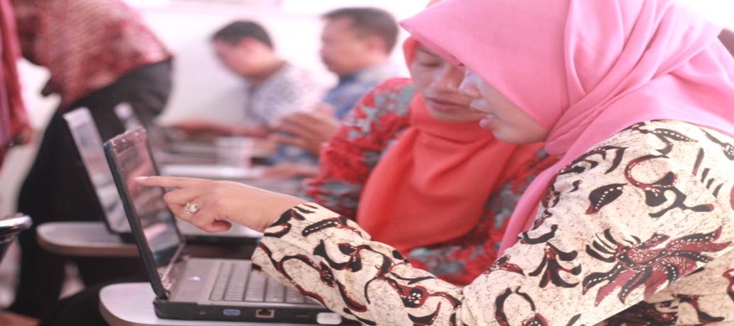 Pelatihan Komputer Bagi Perangkat Desa